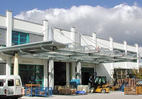 Überdachung Anlieferzone HPCA Werkstätte Harthof