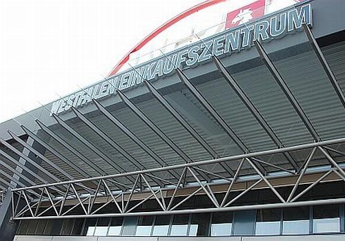 Vordach WEZ-Fachmarktzentrum